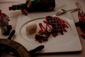 Бельгийские вафли с мороженым и топингом на выбор / Belgian waffles with ice cream and a topping of your choice