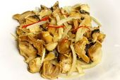 Трубач жареный с луком по-Приморски / Trumpet fish fried with onion