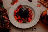 Шоколадный шарик с карамельным соусом/ Chocolate ball with caramel sauce