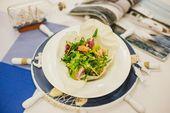 Салат из морепродуктов и спаржи в корзинке / Seafood salad - prawn, scallop, squid,  and asparagus.